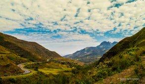Moteng Mountain Pass